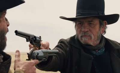 Tommy Lee Jones w filmie Eskorta w kinach od 7 sierpnia