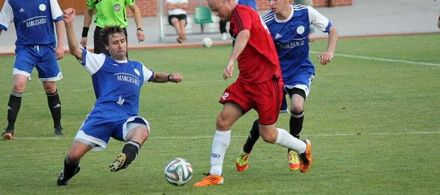 Cresovia (niebieskie koszulki) wygrała w tej rundzie już pięć razy. Na zdjęciu jej niedawny mecz z Danpolem Knopin