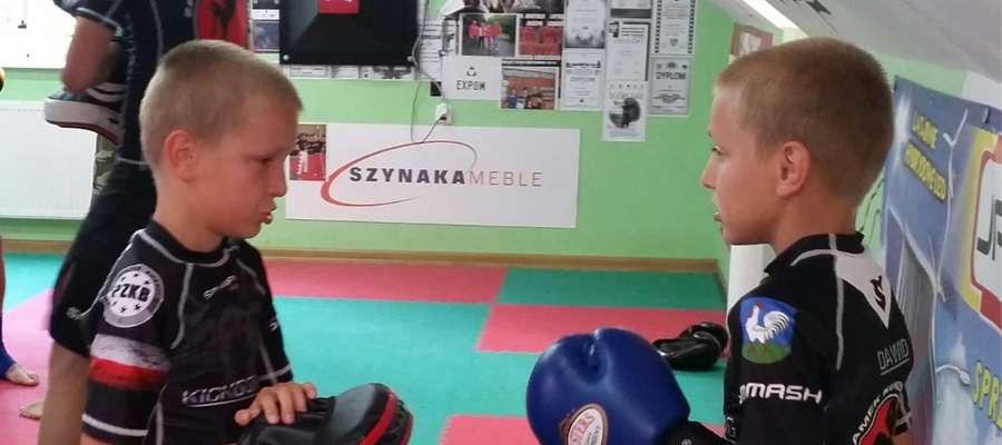 Mali zawodnicy podczas treningu