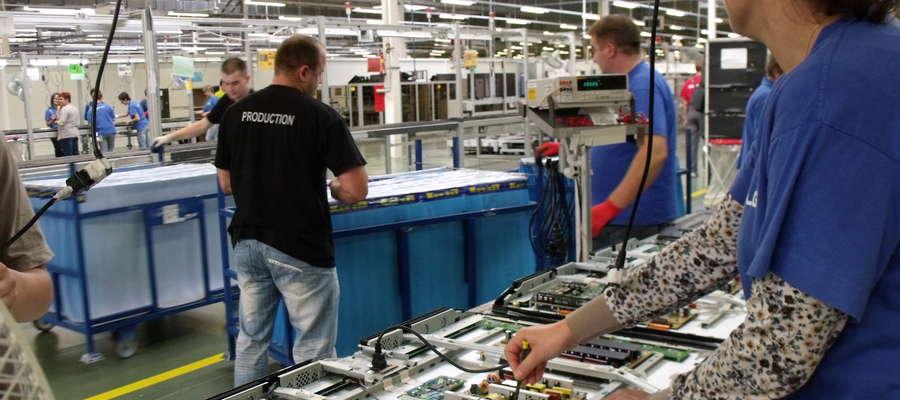 Pracownicy produkcji  i część kadry administracyjnej pracowali w nocy