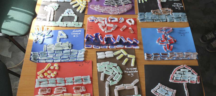 Dzieci w Miejsko-Gminnej Bibliotece Publicznej w Korszach brały udział m.in. w zajęciach plastycznych.