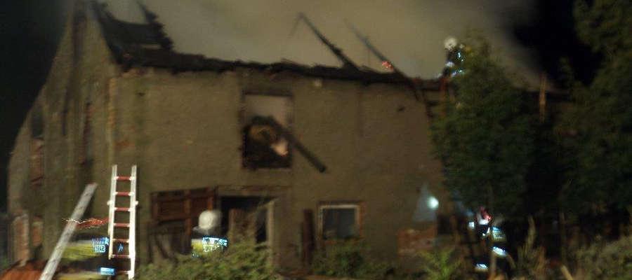 Pożar budynku gospodarczego w Grzędzie do którego doszło 18 sierpnia.