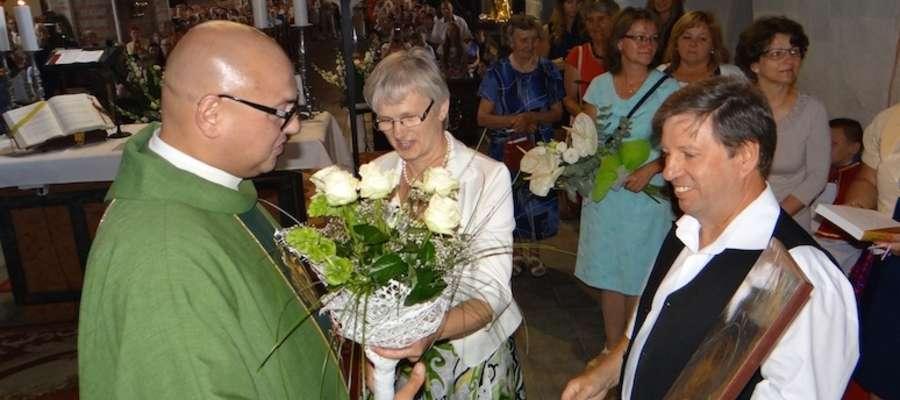 Księdza Mirosława pożegnali członkowie wspólnot parafialnych