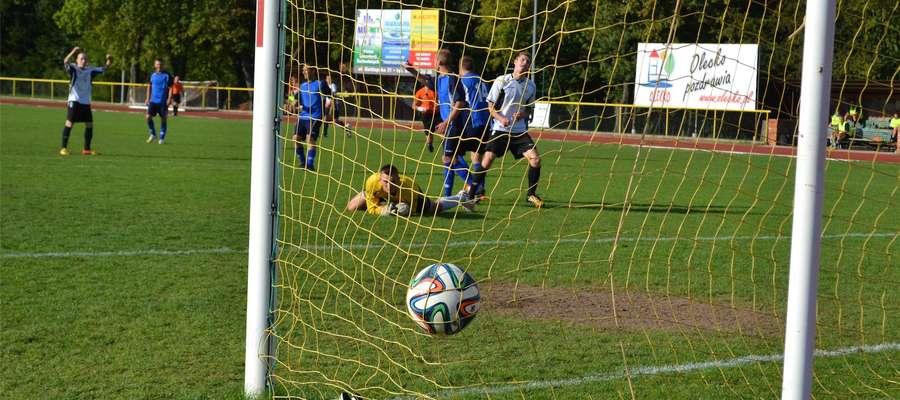 Piłkarze Wilczka stracili w Olecku aż siedem bramek