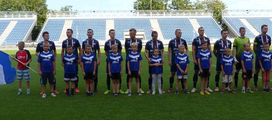 Po pięciu kolejkach sezonu 2015/2016 piłkarze Sokoła mają na koncie 12 punktów i zajmują miejsce w czołowej trójce