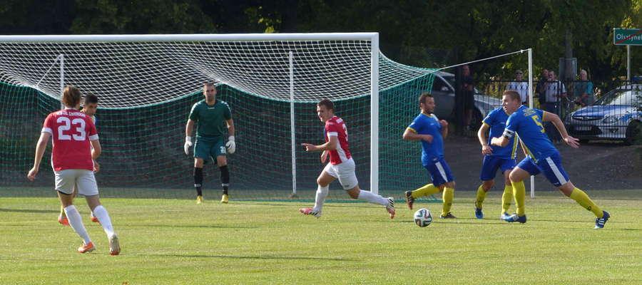 W Olsztynku piłkarze Sokoła po ciężkim boju zainkasowali trzy punkty