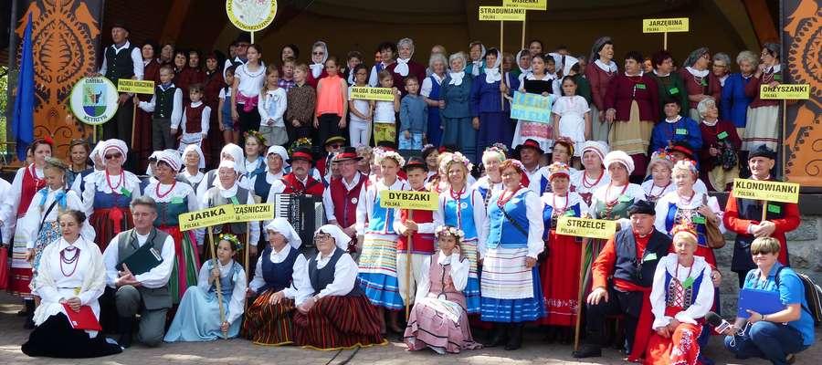 Święto folkloru na scenie i na straganach