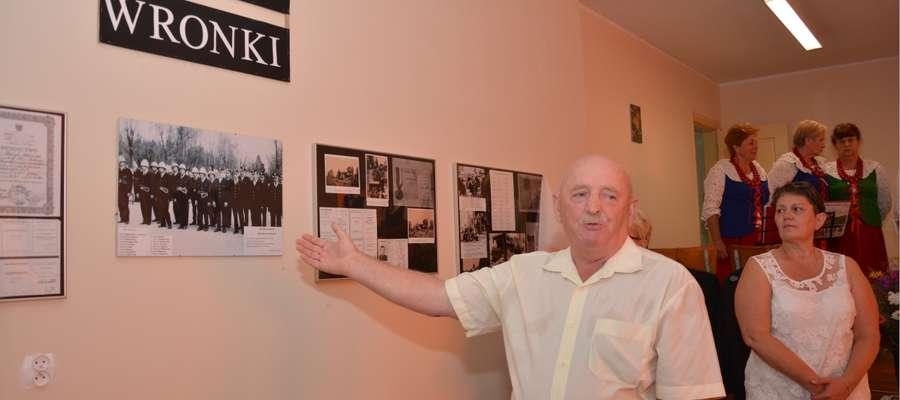 Jan Lewandowski opowiedział o swoje pracy nad przygotowaniem wystawy poświęconej OSP Wronki