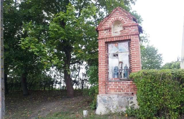 Kapliczka w Rozgitach