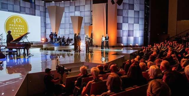 Nagroda Srebrne Lwy dla Excentryków na podstawie powieści Kowalewskiego z Olsztyna, Body/Ciało Szumowskiej filmem roku - full image