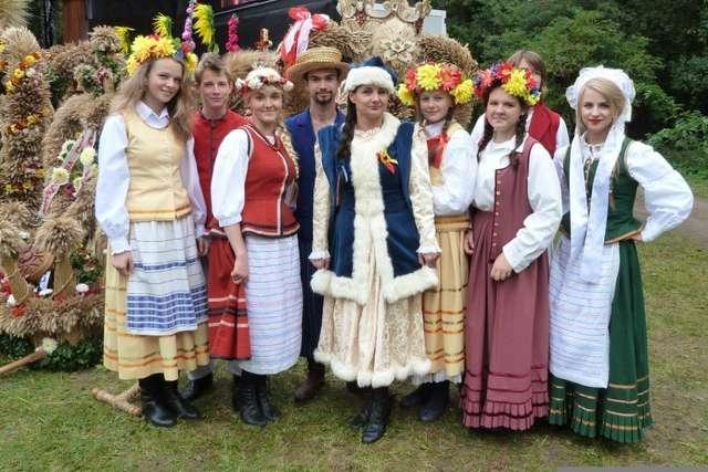 XIII Targi Chłopskie w skansenie w Olsztynku - full image