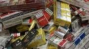 Skonfiskowali nielegalne papierosy i alkohol w Ostrołęce i Myszyńcu