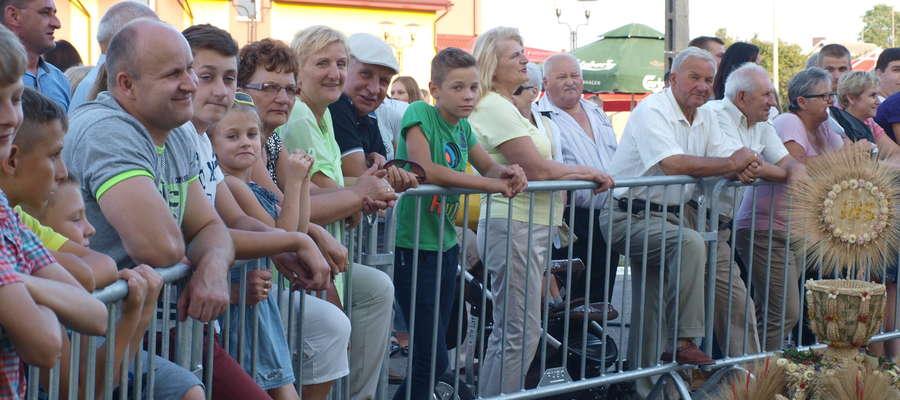 Wiele osób przyszło obejrzeć występy