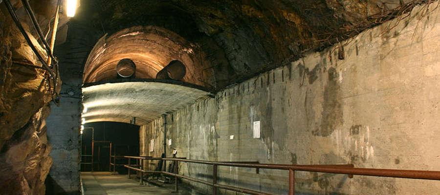 Kompleks Riese w Górach Sowich, Walim - Rzeczka, korytarz z widocznymi dwoma poziomami