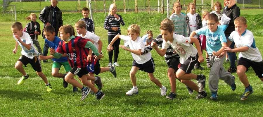 W zawodach mogą uczestniczyć uczniowie szkół podstawowych, gimnazjów i szkół ponadgimnazjalnych. Będą także kategorie open, nauczyciele i służby mundurowe
