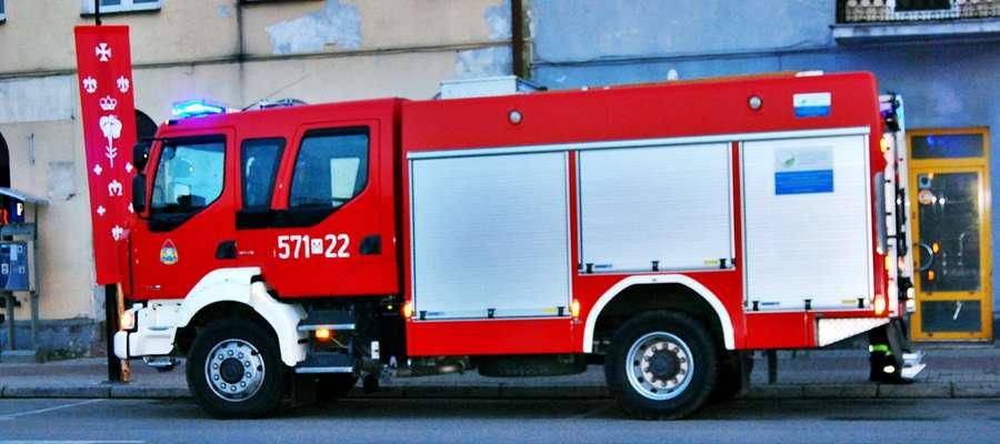 W minioną środę płońscy strażacy musieli interweniować na Placu 15 Sierpnia. Z jednego z punktów handlowych wydobywał się dym, w środku był mężczyzna, który nie mógł otworzyć drzwi