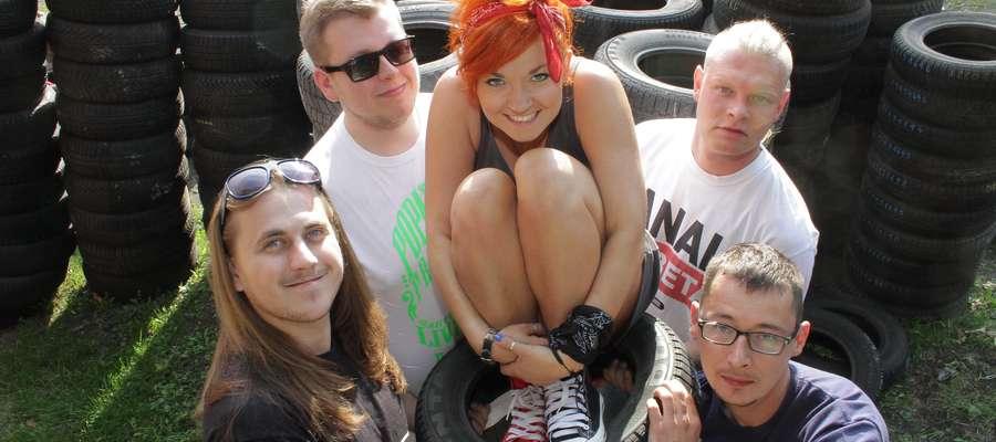 Agnieszka Skrycka z grupy Ejtobangla mówi, że udział zespołu w przeglądzie dodaje muzycznej pewności siebie.