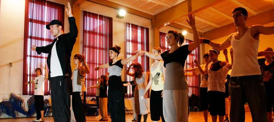 Zajęcia z tańca: street dance oraz break dance  prowadzić będzie Vanil vel SNAPPY