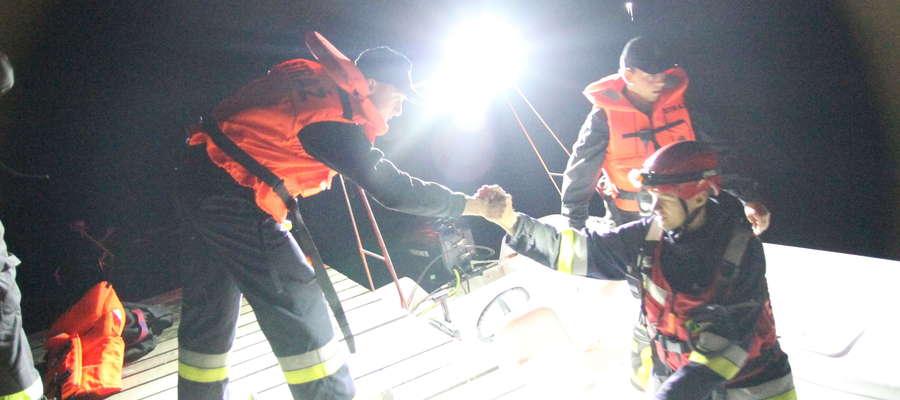 Tragedia w jeziorze Ukiel, ciało kobiety odnaleziono w nocy z czwartku na piątek