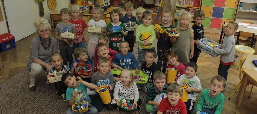 W Przedszkolu Miejskim nr 2 w Olsztynie dzieci dosłownie prześcigają się w przynoszeniu plastikowych nakrętek