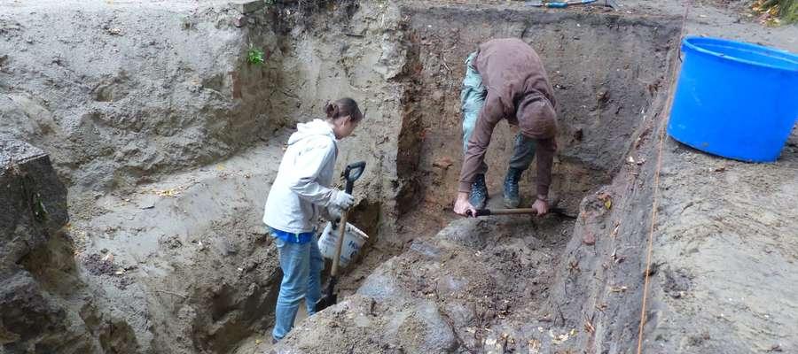 Odkrywają tajemnice cmentarza sprzed 400 lat. Zdjęcia!