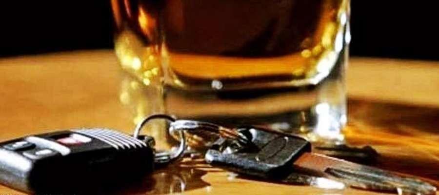 3,7 promila alkoholu we krwi miał kierowca volkswagena, który aż prosił się o zatrzymanie na drodze w Uniecku
