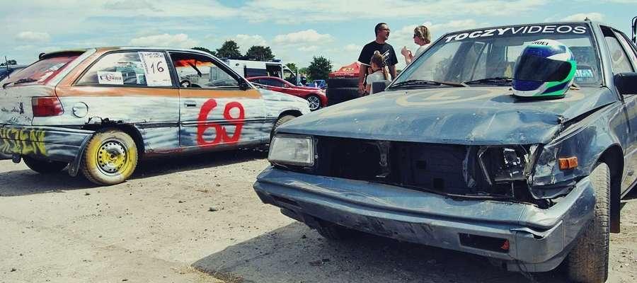 Wyścigi samochodowych wraków po raz kolejny odbędą się w Dzierzążni