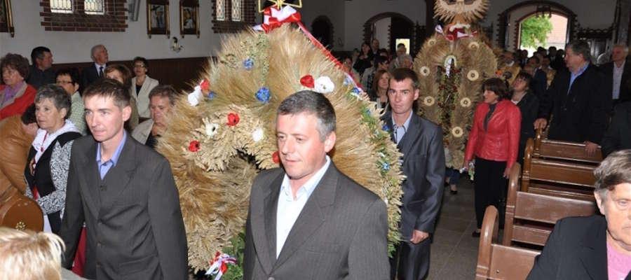 Dożynki w gminie Susz tradycyjnie rozpoczęły się w kościele św. Rozalii