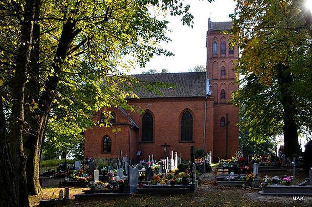 Cerkiewnik: kościół parafialny p.w. św. Katarzyny i św. Anny - full image