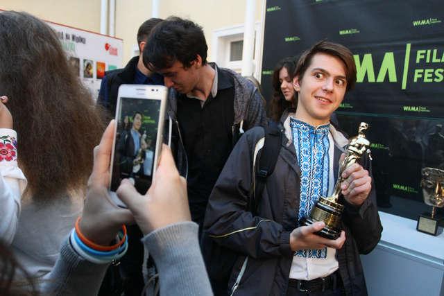 Selfie Z Oscarem na otwarcie WAMA Film Festival 2015 w Olsztynie - full image