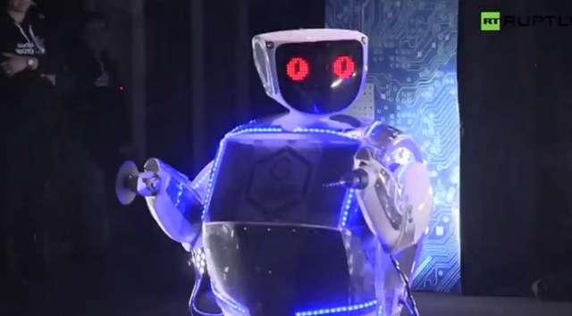 Bliskie spotkanie ze sztuczną inteligencją. Festiwal Robonight w Moskwie - full image