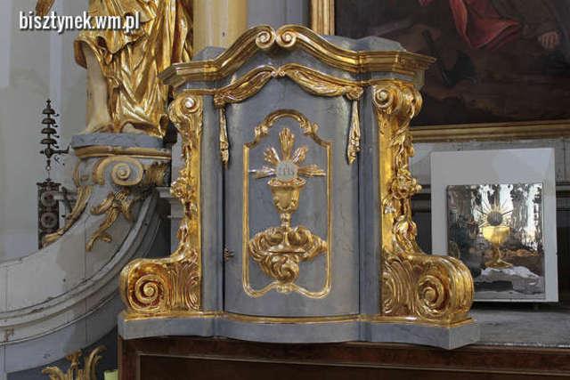 Bisztynek: bezcenne tabernakulum wróciło do kościoła - full image