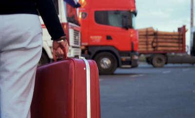 Wciąż wielu młodych Polaków chce wyjeżdżać z kraju
