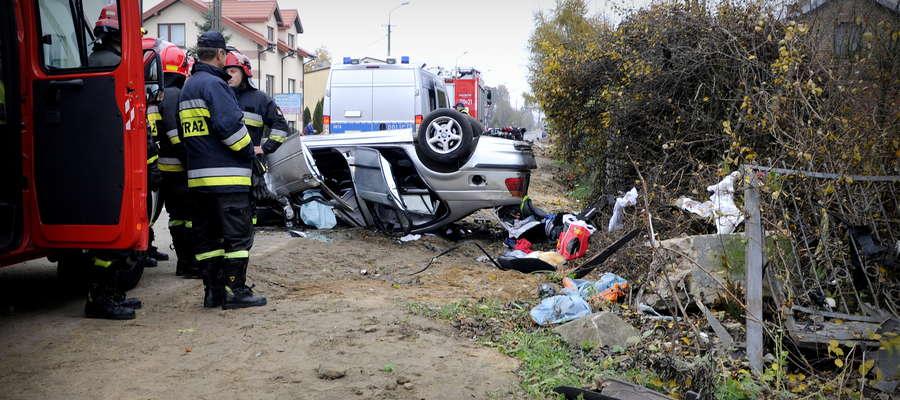 Wypadek w Dąbrowie wyglądał tragicznie