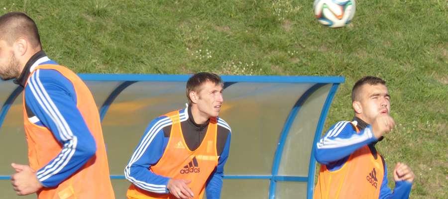 Anton Kołosow (w środku) podczas środowego treningu