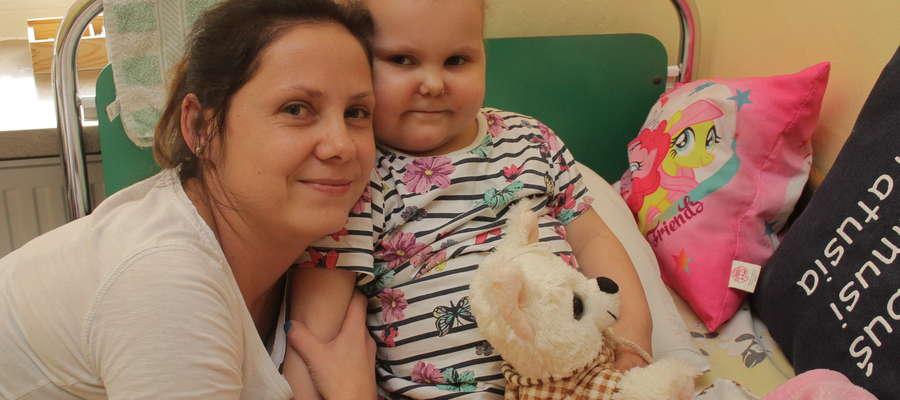Agatka, choć ma 4 latka, musi już dzielnie walczyć z białaczką