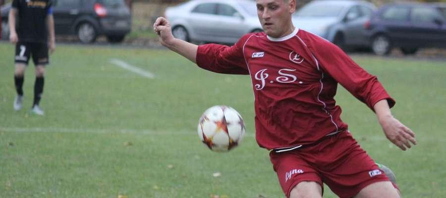Jedną z bramek dla Łyny w meczu z Victorią strzelił Łukasz Pawłowski