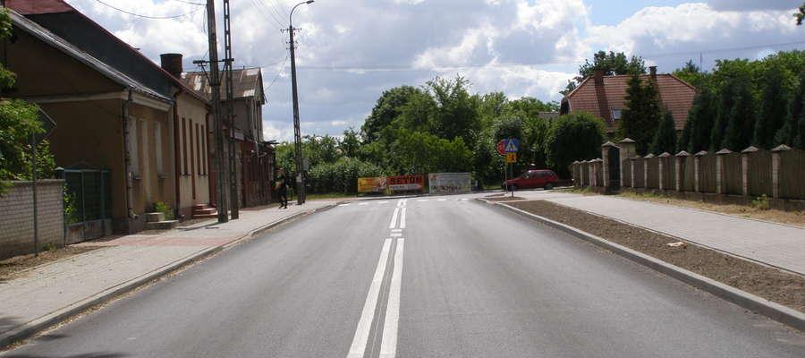Odcinek drogi powiatowej w miejscowości Krasnosielc  przebudowany w 2015 r.