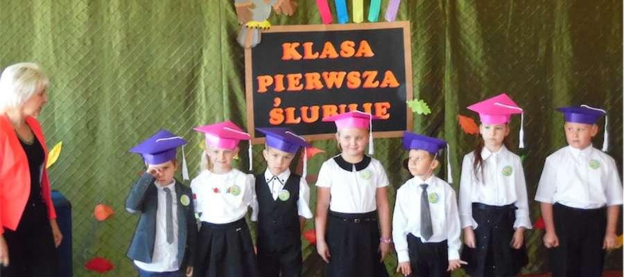 Bohaterowie uroczystości w szkole w Boleszynie