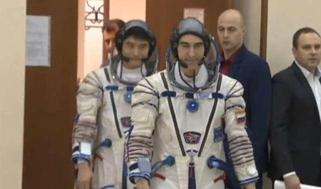 Ćwiczenia astronautów przed grudniową misją na ISS - full image