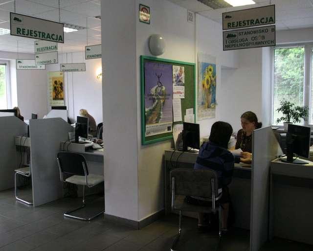 Bezrobocie wyklucza  - full image