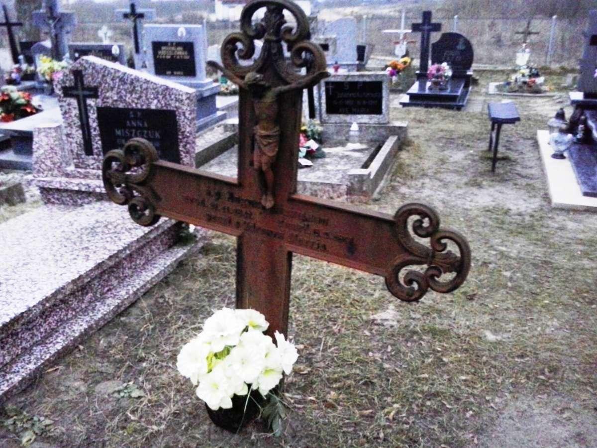 """Cmentarz w Klewkach koło Olsztyna. August Hinzmann (1847-1891) był Polakiem. Spoczywający na tym samym cmentarzu  Joachim Mateblewski (1858-1891) miał """"niemiecki"""" nagrobek. Taki paradoks. - full image"""