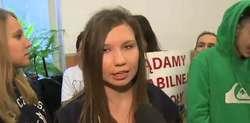 Uczniowie domagają się zwolnienia dyrektorki. Do szkoły przyjechała minister edukacji