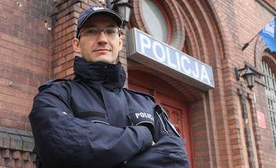 Mężczyzna włamał się do mieszkania kobiety w Gietrzwałdzie. Złapał go dzielnicowy, choć miał dzień wolny