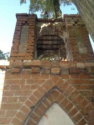Kapliczka przed remontem