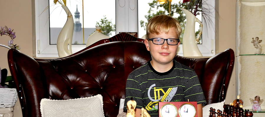 Młody szachista z Żuromina Dominik Czarnomski