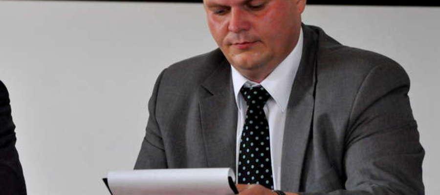 Wójt Krzysztof Ziółkowski musi przedstawić Wojewodzie dokument potwierdzający jego rezygnacje z funkcji wiceprezesa zarządu spółki Lumet