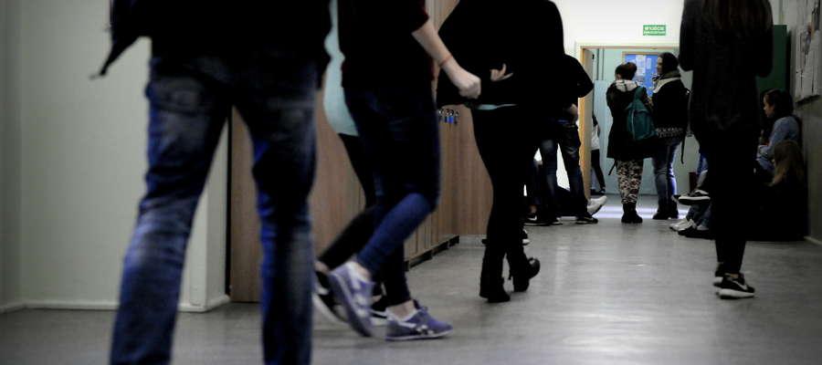 Gimnazjalna młodzież siedliskiem zła? Z tą opinią nie zgadzają się nauczyciele i uczniowie