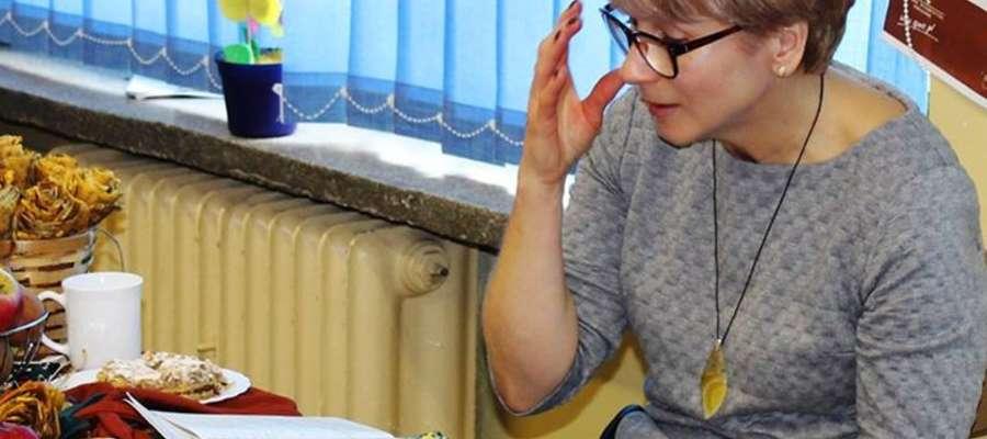 Małgorzata Mycio podczas spotkania z uczniami szkoły w Dzietrzychowie