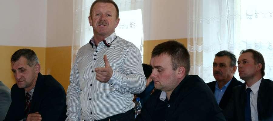 - Na inwestycje przeznaczamy tylko około 200 tys. zł – mówił radny Jerzy Krajewski